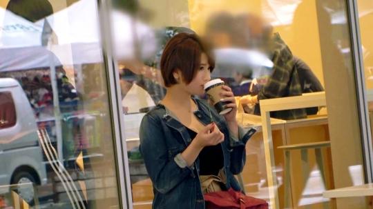 【はるあ 23歳 イタリアンバル店員】飲食店で働くエロ乳Hカップの23歳はるあちゃん参上!応募理由は「見られたい願望があって♪」見られたいより見せたいの間違えてでは?自慢のエロ乳を見せびらかしにやってきた巨乳美女はおっぱいの事なら任せろとパイズリしながらフェラもする!「やっぱり見られると興奮するぅ?♪」逆、逆ぅ?♪