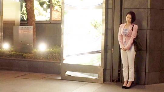 【るい 23歳 IT系企業(広報部)】【女の開花宣言】23歳【美人広報部】るいちゃん参上!仕事帰りにAV出演しちゃう彼女の応募理由は『女として開花させてほしい♪』季節は春!【桜の如く咲き乱れる】彼女の桜前線は急激に北上中!桜色の乳首に桜色のおマ○コは敏感過ぎ!性に開花してしまった女の乱れ咲きSEX絶対に見逃すな!_2