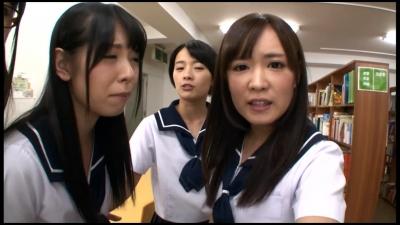可愛くて優等生の女子校生たちから中出しSEXをせがまれて困っている僕。 3 さくらみゆき 向井藍 あおいれな 宮崎あや_13