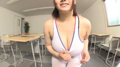 爆乳ハミ乳競泳水着 あゆ J-cup_1