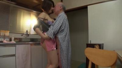 老人たちに寝取られたセックスレスの夫を持つ巨乳嫁 推川ゆうり_10