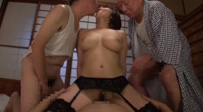 【推川ゆうり】老人たちに寝取られたセックスレスの夫を持つ巨乳嫁 推川ゆうり
