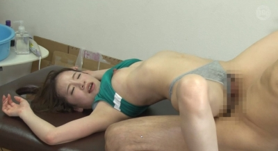 一般人より性欲が強い女子陸上部員は媚薬オイルの効果で快感が倍増し神騎乗位でイキまくる_10