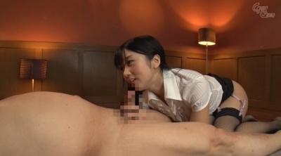 老人を唾液と淫語で舐め癒す女 大槻ひびき_15