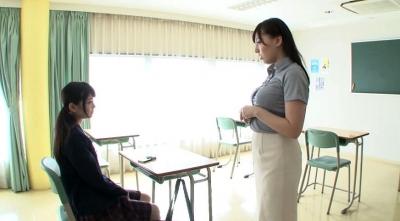【跡美しゅり】求め愛 禁断のレズSEXの虜になったドS女子校生とドM女教師 跡美しゅり 江上しほ
