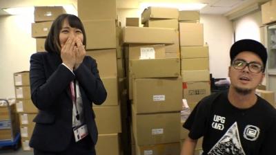 【h.m.p営業部員】 出社初日からカラダを張って会社に貢献していきます! 月本愛_7