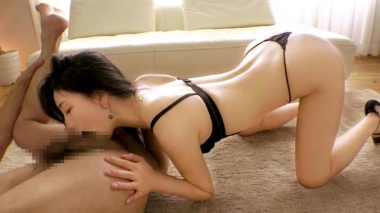 【三國百合子 28歳 客室乗務員】ラグジュTV 992_4