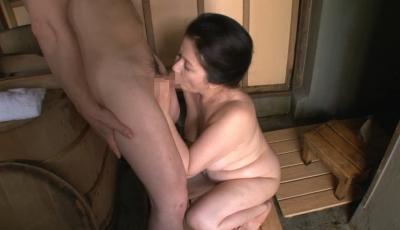 【艶堂しほり】地方の五十路母と子 田舎の母子交尾