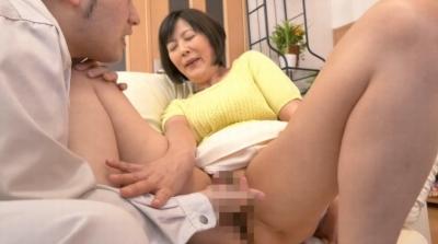 未亡人の義母と戯れて… 円城ひとみ_8