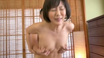 未亡人の義母と戯れて… 円城ひとみ_17