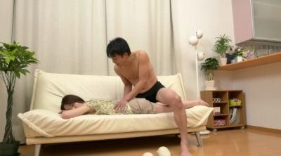 未亡人の義母と戯れて… 麻生千春_4