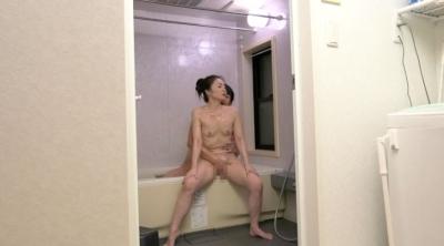 未亡人の義母と戯れて… 麻生千春_10