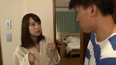 近親相姦~【不言】隣にお父さんがいるのよ~ 篠田ゆう_13