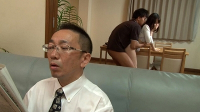 【篠田ゆう】近親相姦~【不言】隣にお父さんがいるのよ~ 篠田ゆう