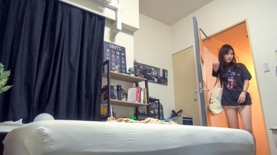 【ゆの 18歳 大学1年・文学部】百戦錬磨のナンパ師のヤリ部屋で、連れ込みSEX隠し撮り 092
