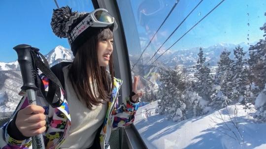 【もえ 21歳 歯科衛生の専門学生】ゲレンデナンパ 01 雪山ではド素人!布団の上ではテクニシャン!スティック握るよりもチ〇ポ握るのが得意なスケベ美少女!!_1
