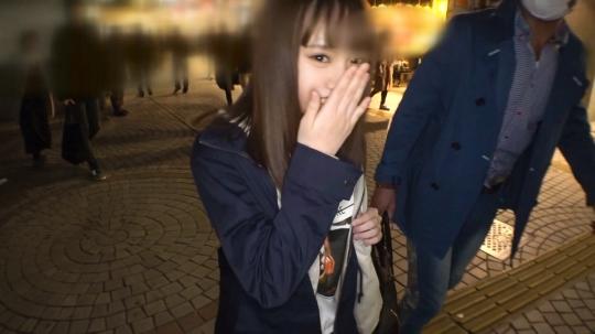【美怜 20歳 アパレルショップ店員】マジ軟派、初撮。 1309 東京で友達作ろう企画と偽りスタジオに連れ込んだ巨乳娘、しばらく彼氏がいなくてアソコが疼いてるのか、渋りつつもAV撮影承諾。潮吹きの量がヤバかった…!