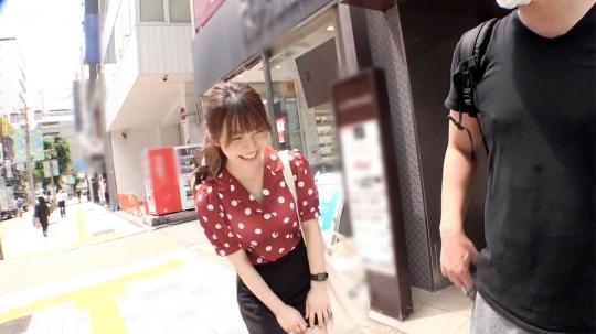 【いちか 21歳 大学生】マジ軟派、初撮。 1491 【東京に落としたハンカチを拾ってくれる優しい子はいるのか!?】何度もお願いして服を脱いでもらい、そのまま流されセックスを許しちゃう優しい美少女をナンパ成功!デカ○ンを挿入すれば体を仰け反らせて喘ぎ感じまくる!_1