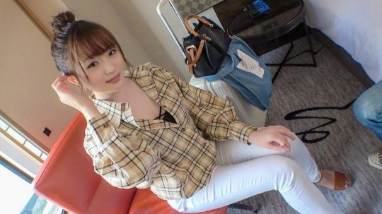 【みなみ 22歳 ケーキ屋】マジ軟派、初撮。 1578 新宿で見つけた、はるばる鹿児島から遠距離恋愛してる彼氏に会いに来た巨乳美少女!その彼氏が音信不通になったうえ財布まで失くして困っているところをホテルに連れ込み…天使のように優しいし大量潮吹き連続イキするエロおま○こなので連絡寄こさなくなった彼氏を捨ててセフレになって欲しいくらいでした!
