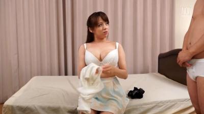 【三島奈津子】童貞を弄ぶ妻とオジサンに弄ばれる妻。本当は淫乱な妻に俺は、ただ勃起する 三島奈津子 綾波まこ