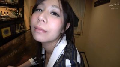 プロ野球選手のセフレ×3人 パワー系セックス中毒の性豪人妻 織田真琴 AVデビュー 54_8