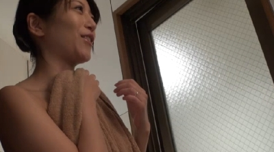 【小出亜衣子】知らない間にボクの妻が…!下品な性技を仕込まれ悶絶しながら中に出してと何度もせがむ不倫妻 小出亜衣子